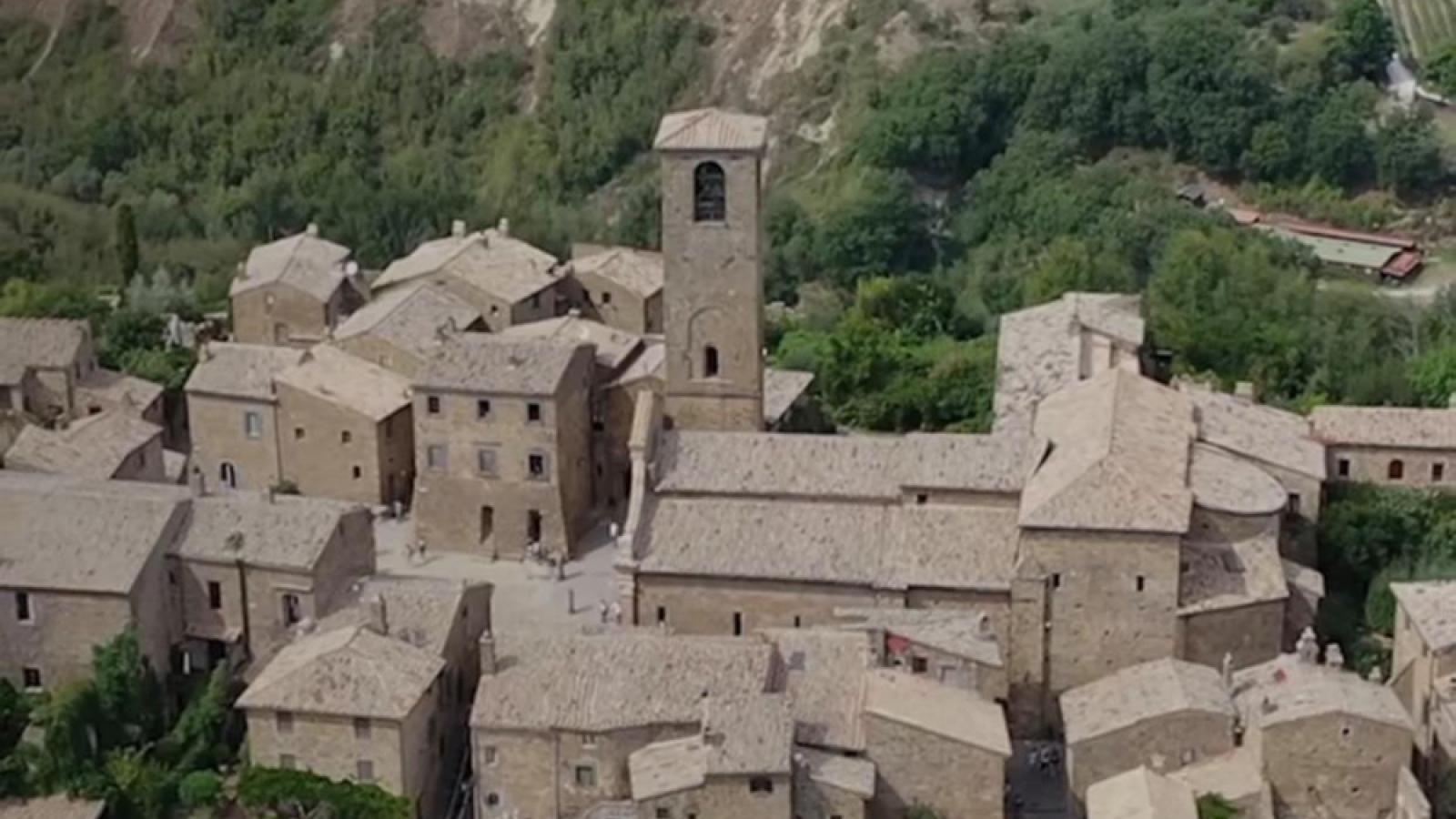 """Kế hoạch tỷ euro để hồi sinh những ngôi làng """"ma"""" ở Italy"""