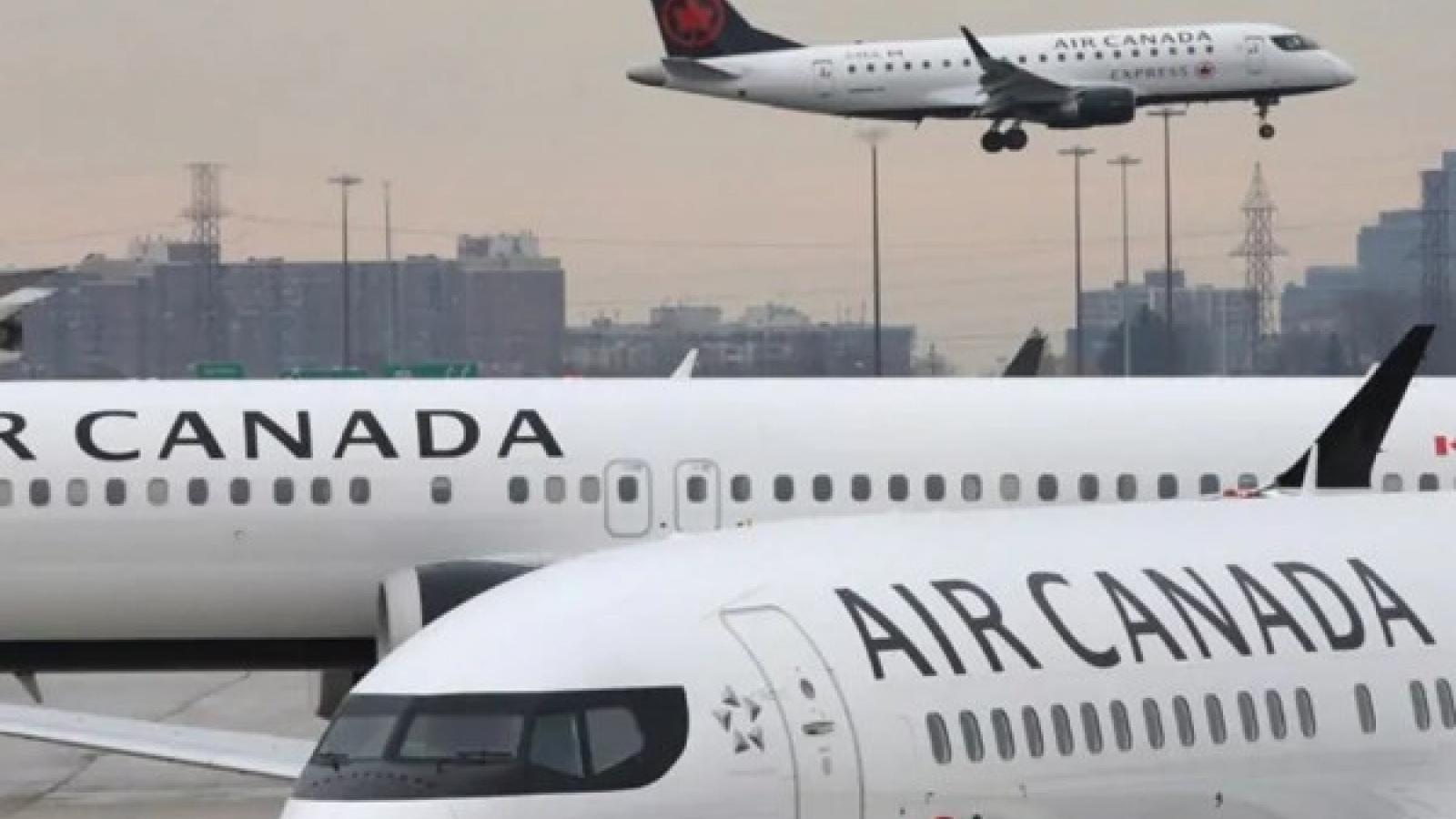 Nhiều nước đình chỉ chuyến bay tới Ấn Độ, Pakistan vì dịch Covid-19 bùng phát