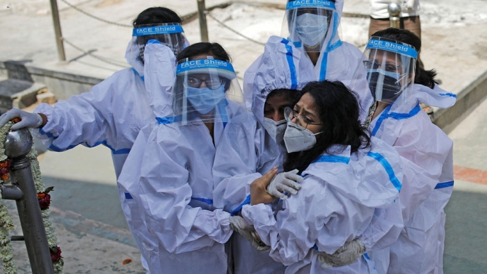 Dịch Covid-19 diễn biến nguy cấp, hút cạn mọi nguồn lực y tế của Ấn Độ
