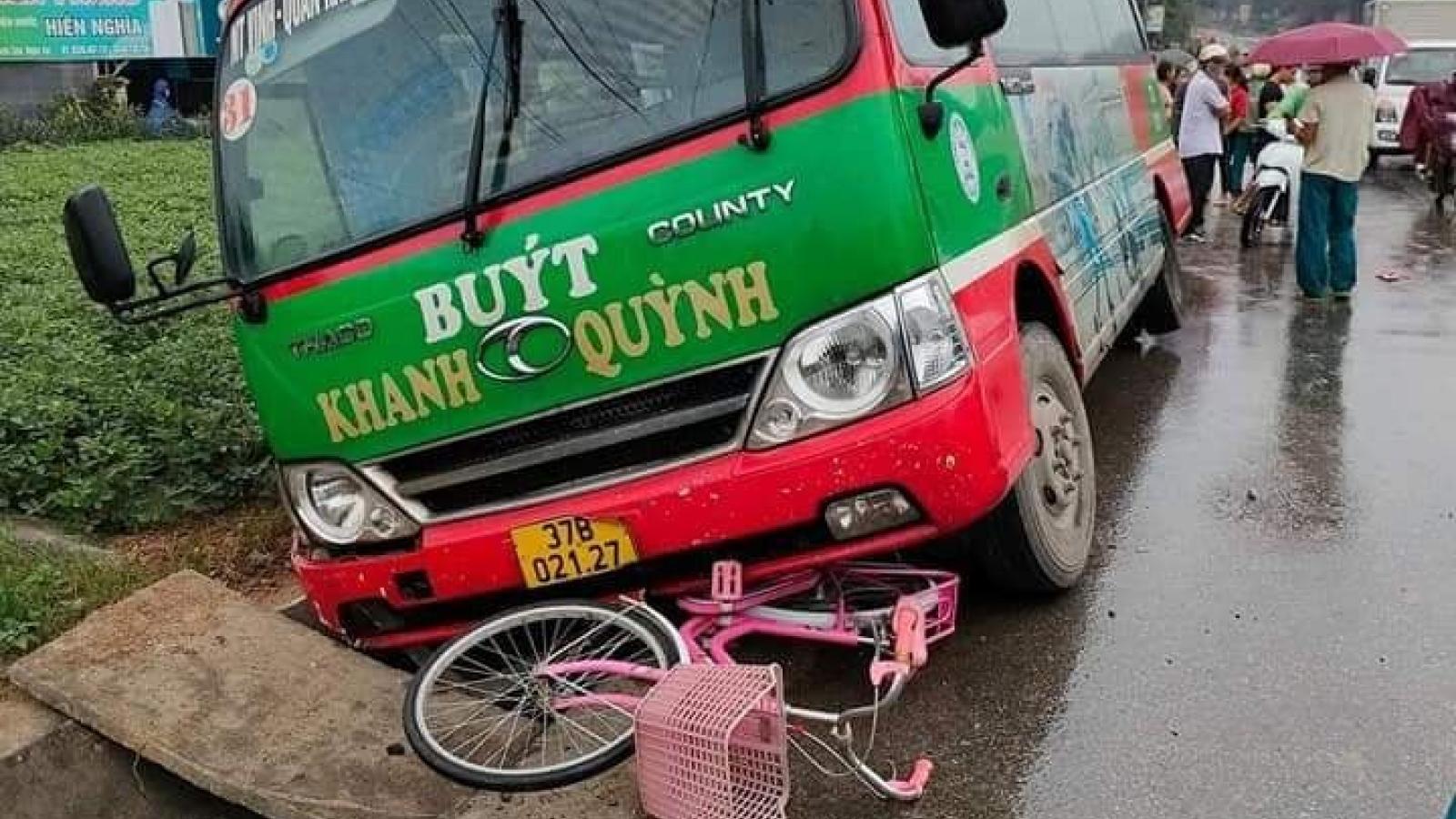 Xe buýt tông xe đạp, một học sinh tử vong khi đang trên đường đến trường