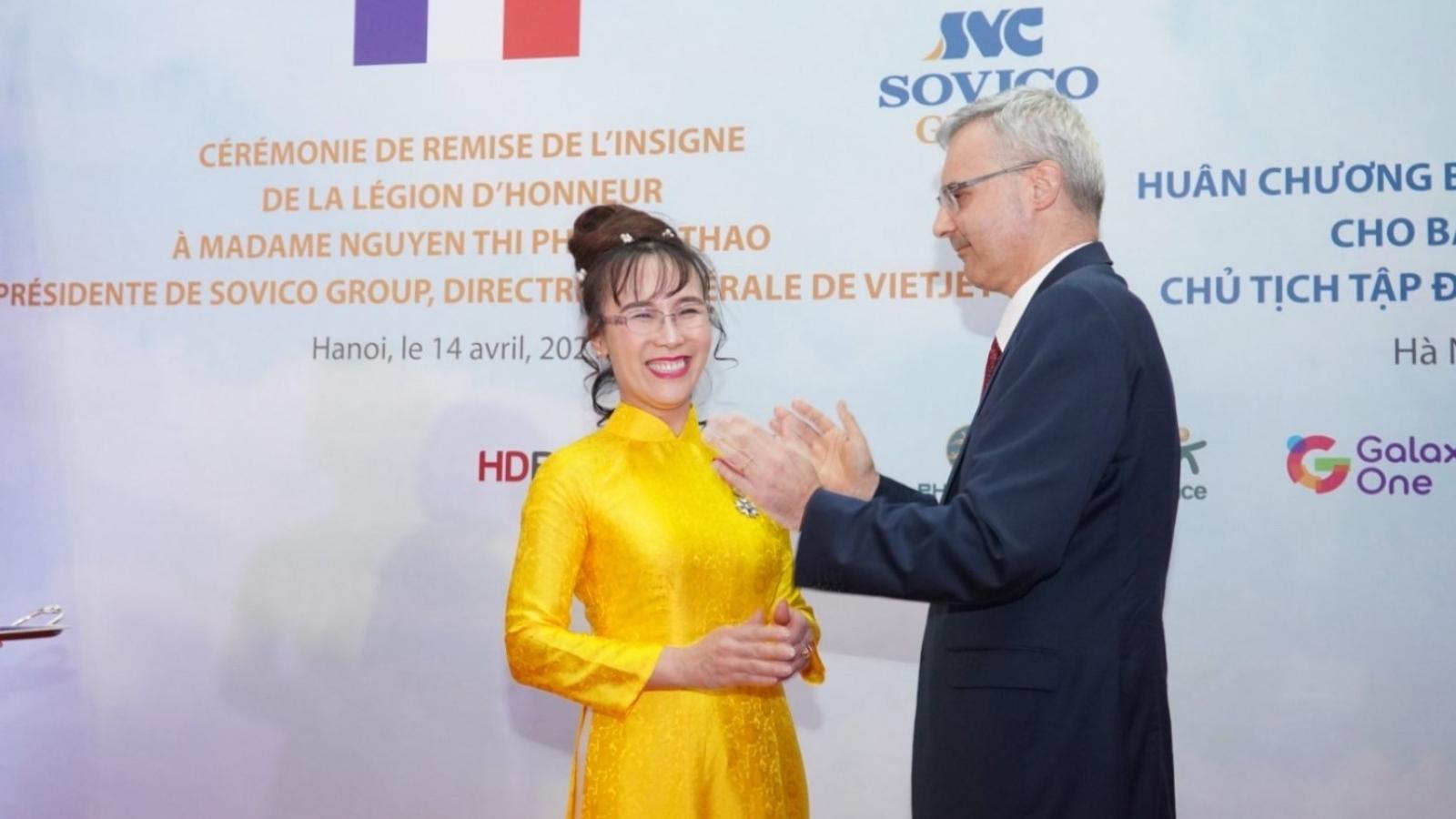 Tổng giám đốc Vietjet nhận Huân chương Bắc đẩu bội tinh của nhà nước Pháp trao tặng