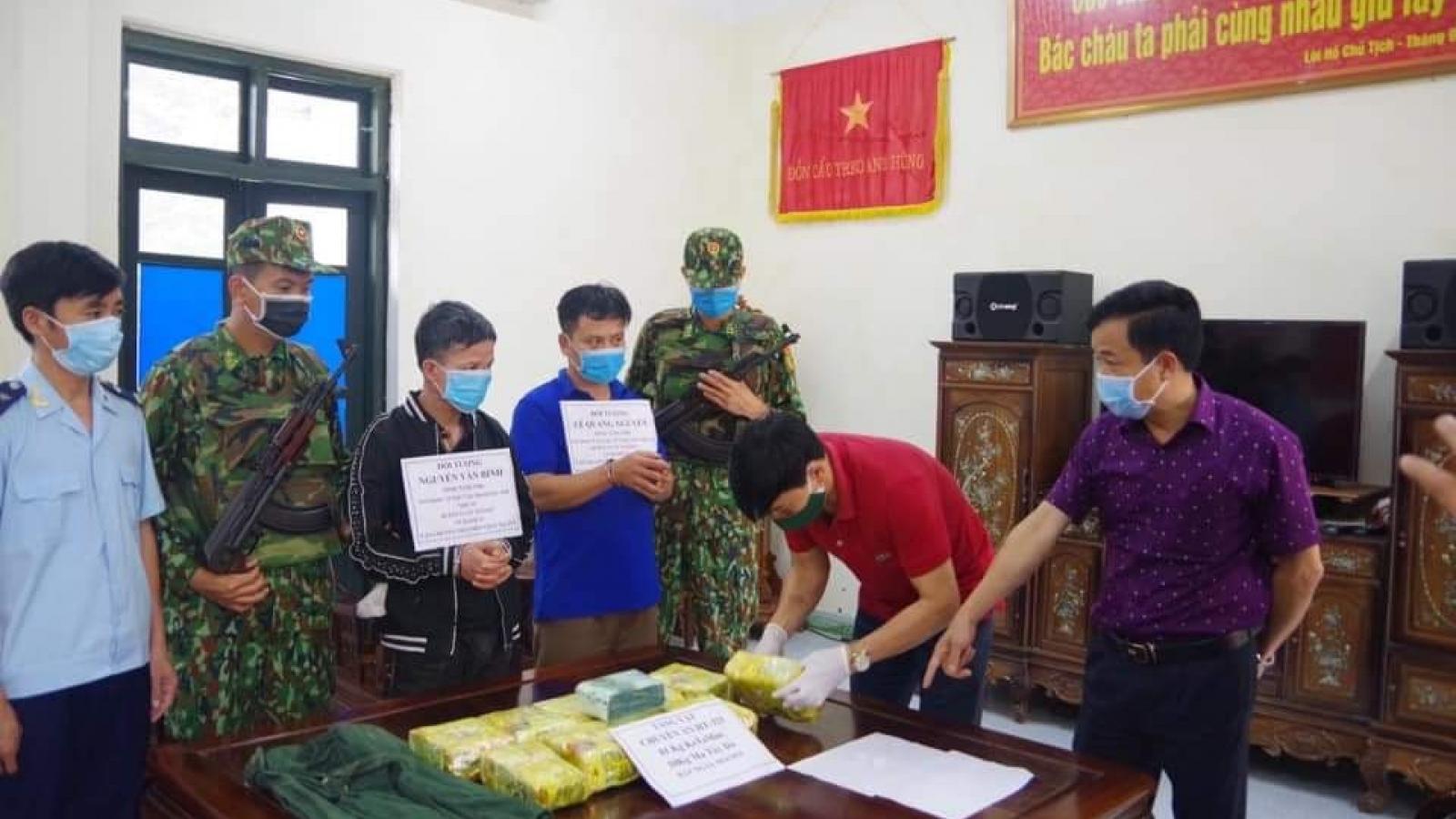 2 đối tượng vận chuyển 11kg ma túy sa lưới ở Hà Tĩnh