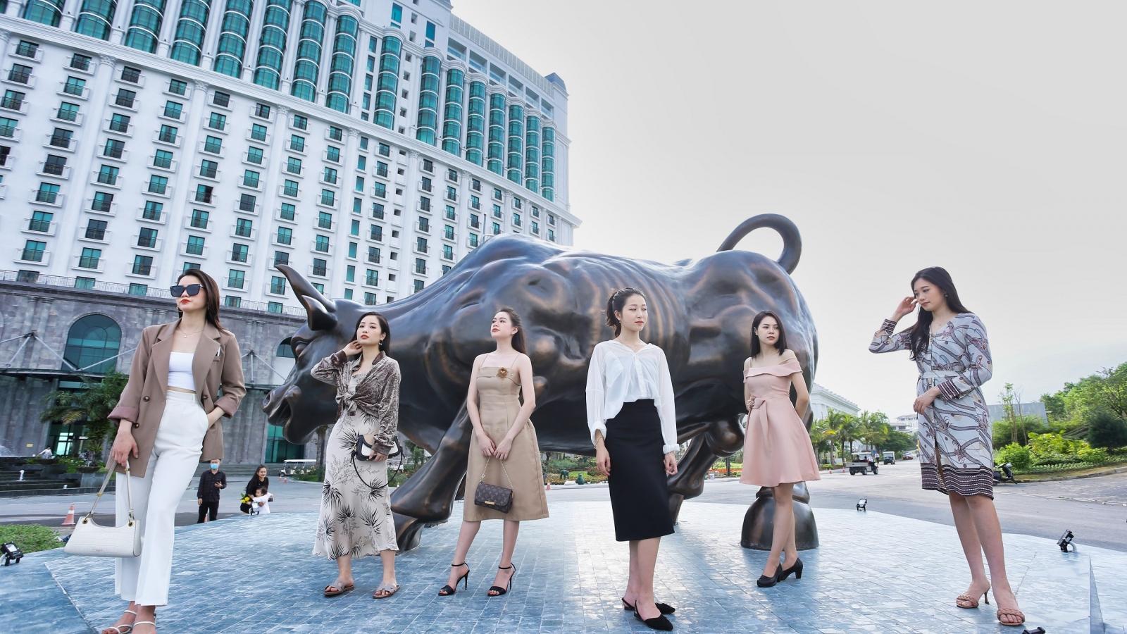 Hé lộ tượng bò tót vàng may mắn tại Hạ Long chưa ra mắt đã hút fan cực mạnh