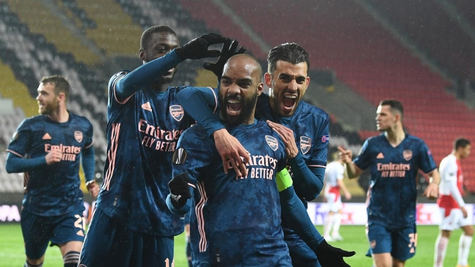 Thắng đậm Slavia Praha, Arsenal thẳng tiến bán kết Europa League