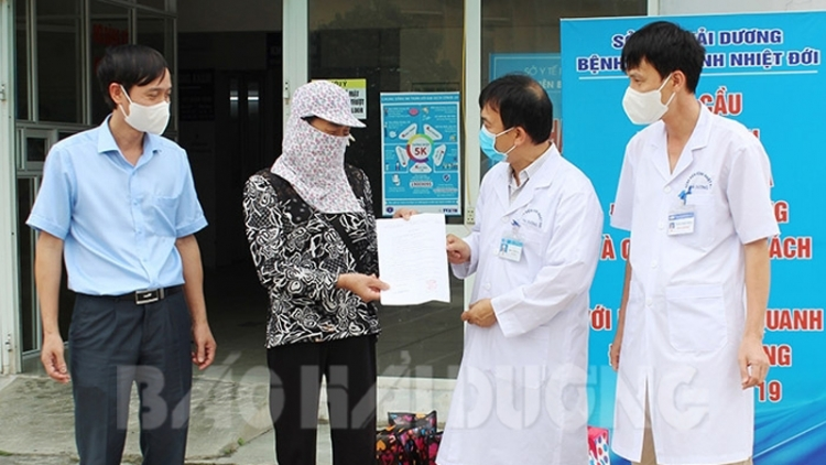 Final COVID-19 patient in Hai Duong province receives discharge from hospital