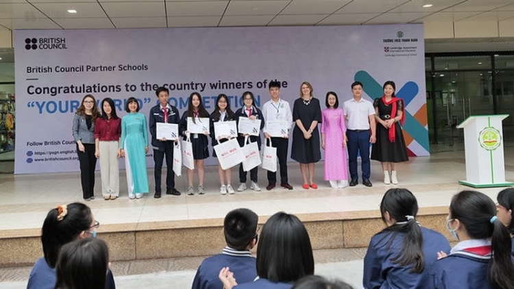 Vietnamese students win Your World Competition by British Council