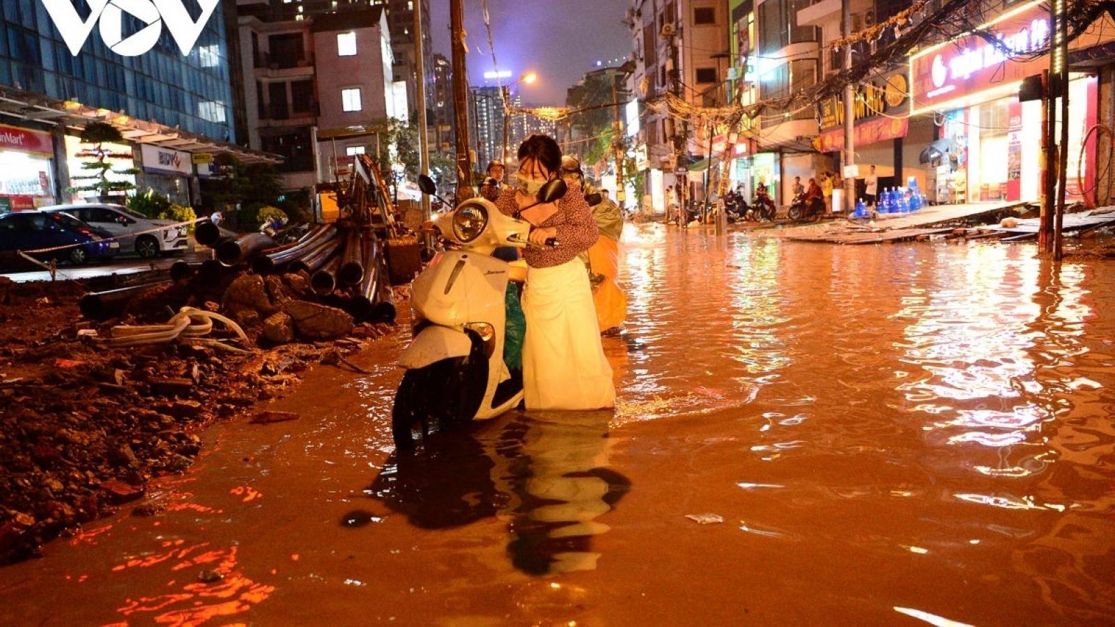 Vẫn còn 11 điểm ngập úng nặng trên địa bàn Hà Nội
