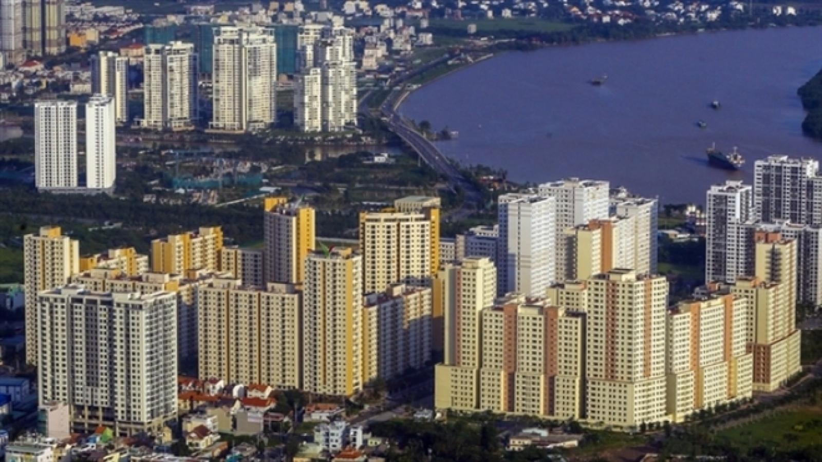 Doanh nghiệp bất động sản làm ăn ra sao giữa cơn 'sốt đất'?
