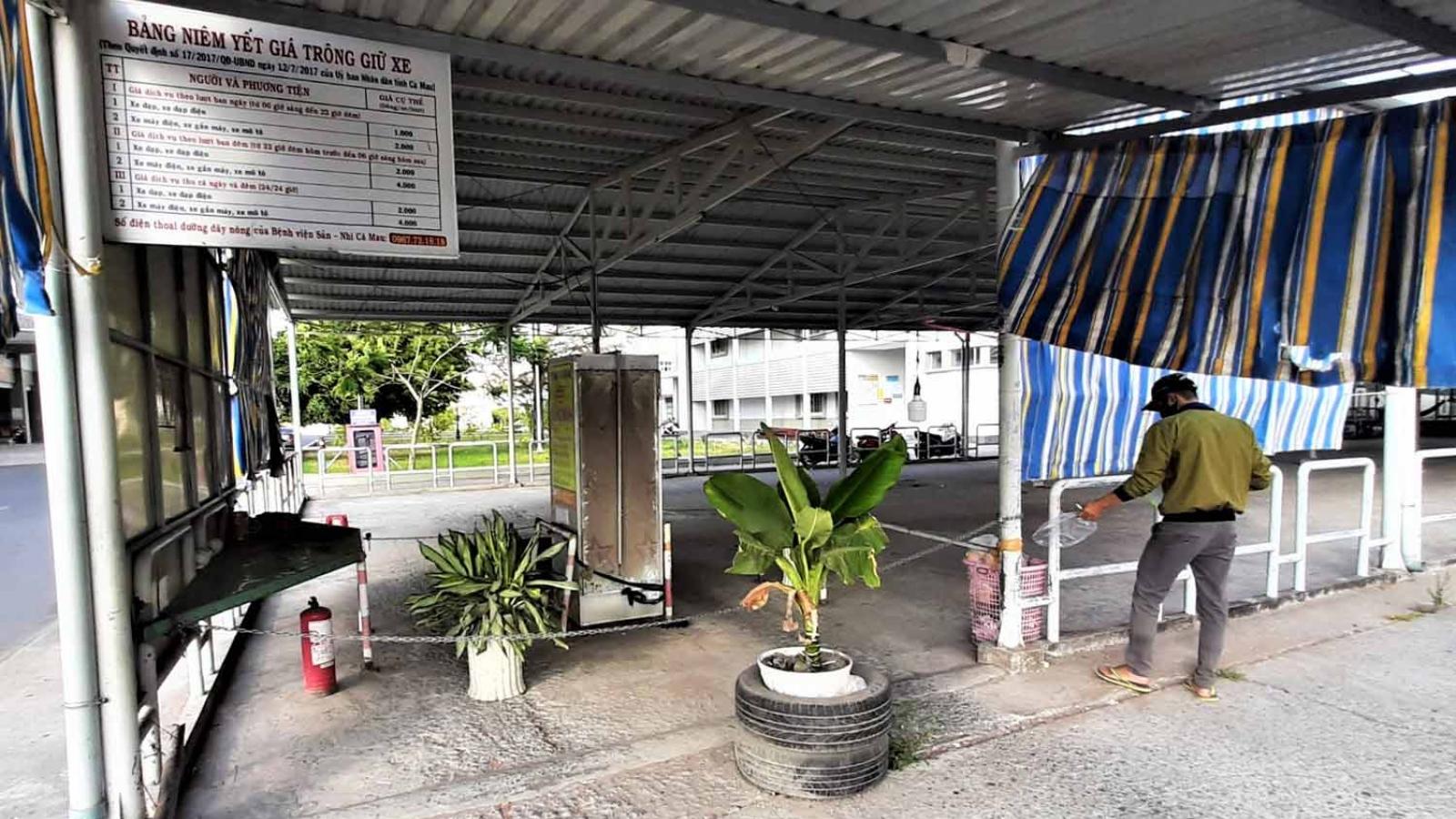 Vụ nhà thầu khóa nhà xe ở Cà Mau: Bệnh viện đã tiếp nhận nhà xe