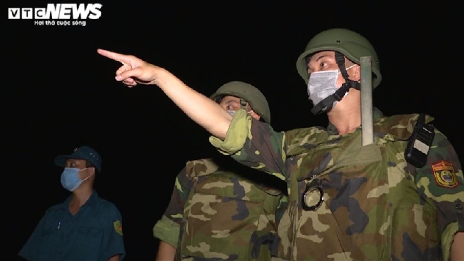 Bộ đội biên phòng, công an 'thâu đêm suốt sáng' siết chặt biên giới Tây Nam