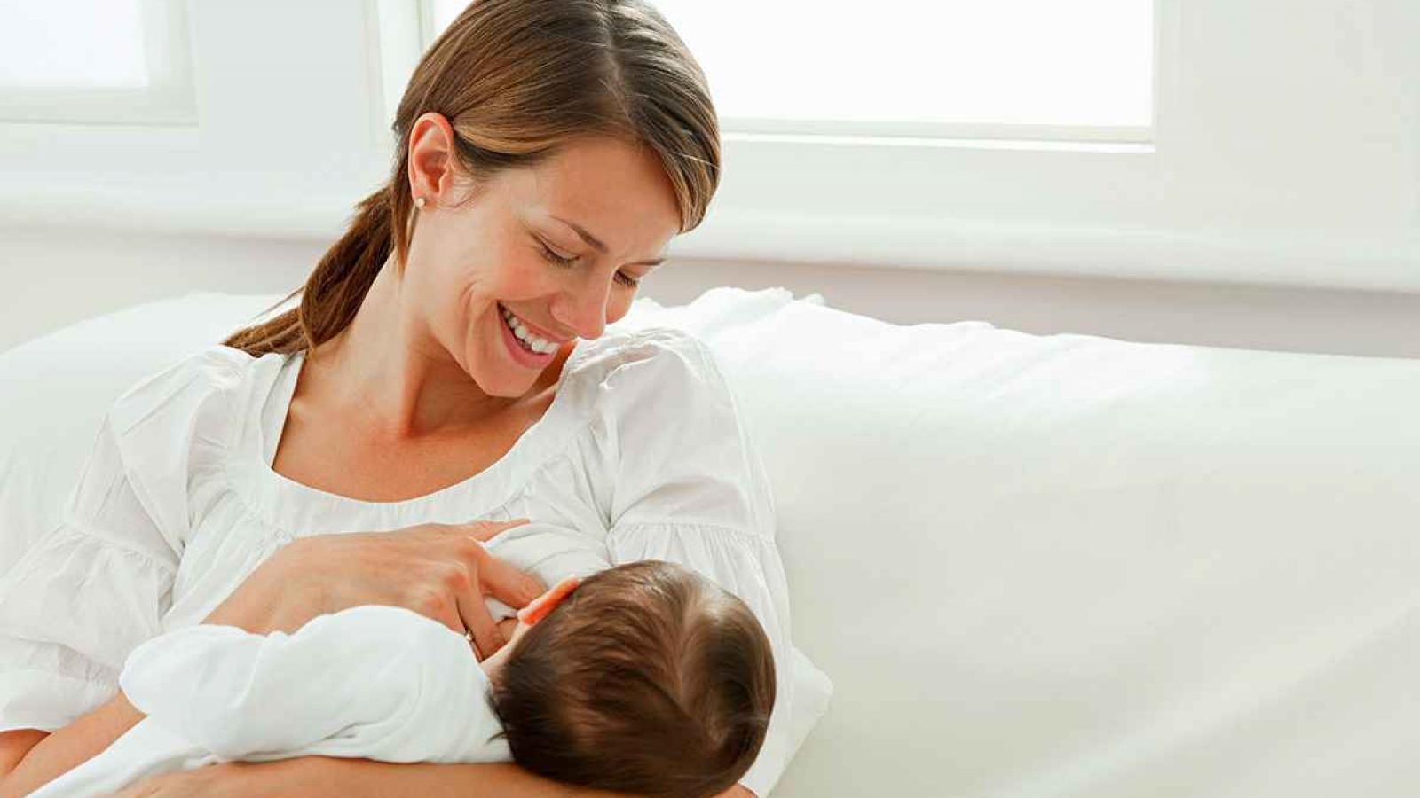 Những điều cần biết về việc nuôi con bằng sữa mẹ