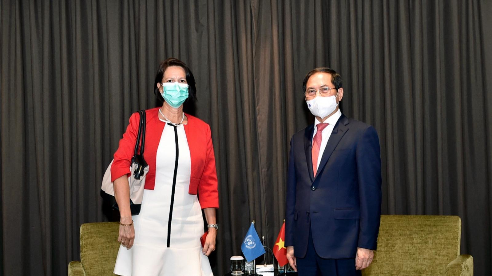Bộ trưởng Ngoại giao tiếp Đặc phái viên LHQ về Myanmar