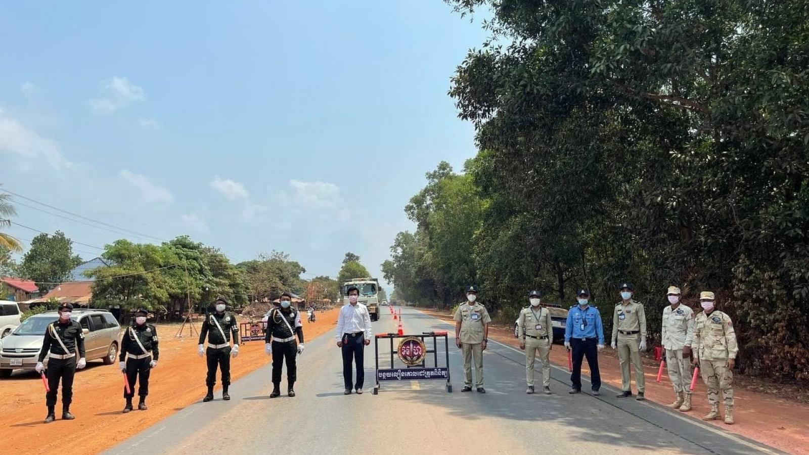 Campuchia áp dụng lệnh cấm đi lại giữa các tỉnh để ngăn chặn dịch Covid-19