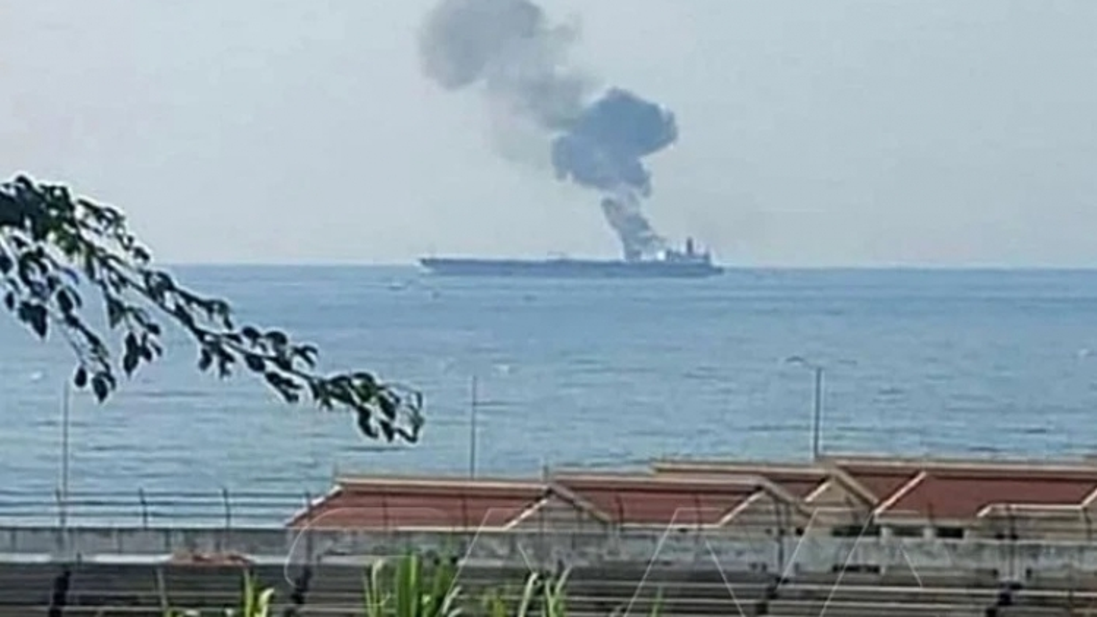 Tàu Iran bị UAV tấn công ngoài khơi Syria, ít nhất 3 người chết