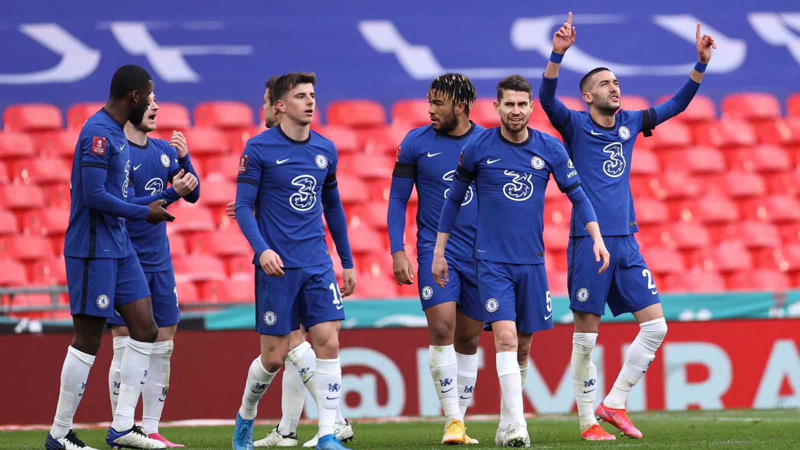 """Phá tan mộng """"ăn bốn"""" của Man City, Chelsea vào chung kết FA Cup"""