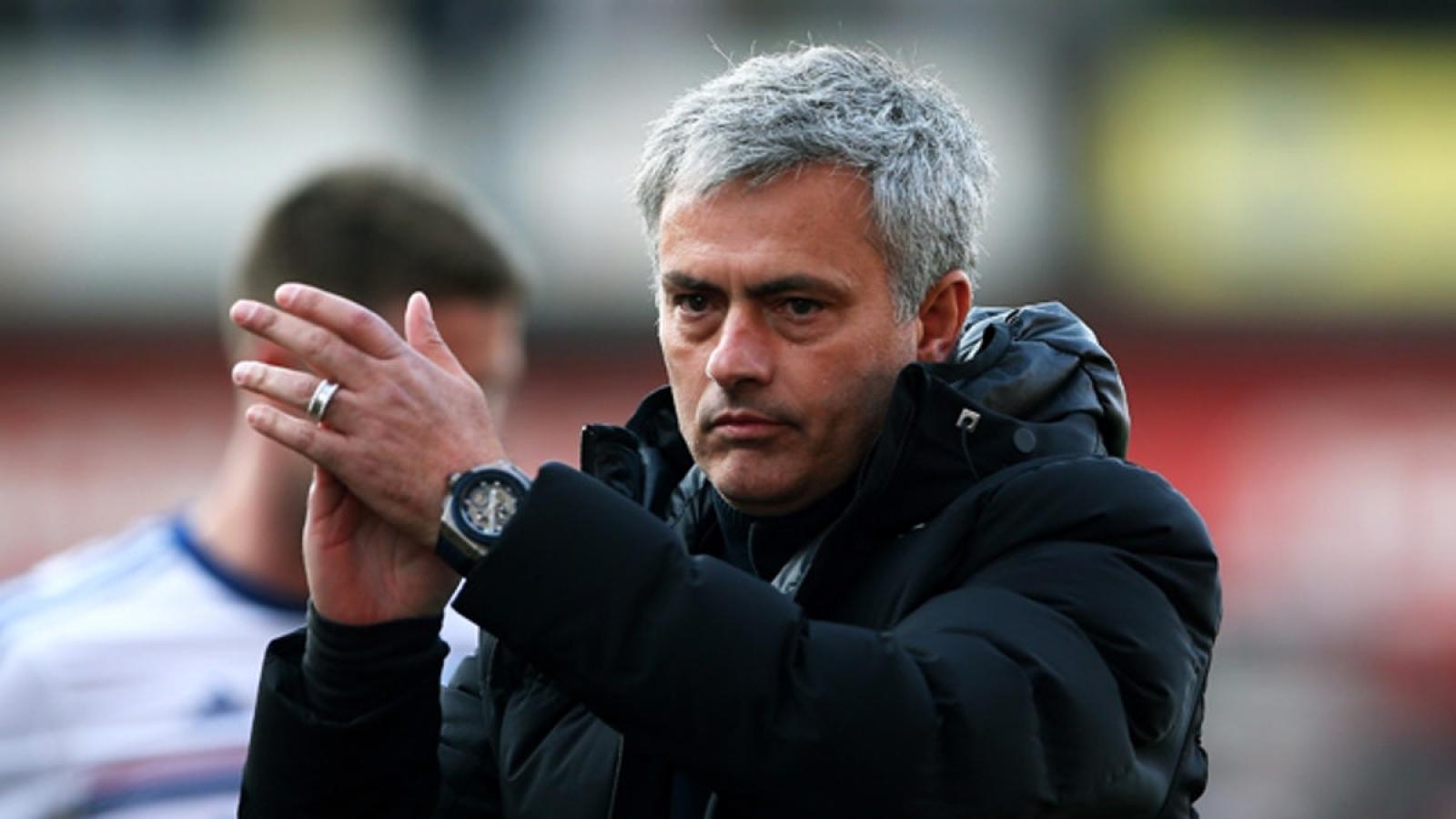 Ngày này năm xưa: Kỷ lục khó tin của HLV Mourinho bị chặn đứng