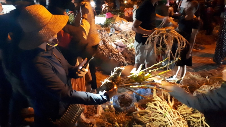 An insight into Tua Chua night market in Dien Bien