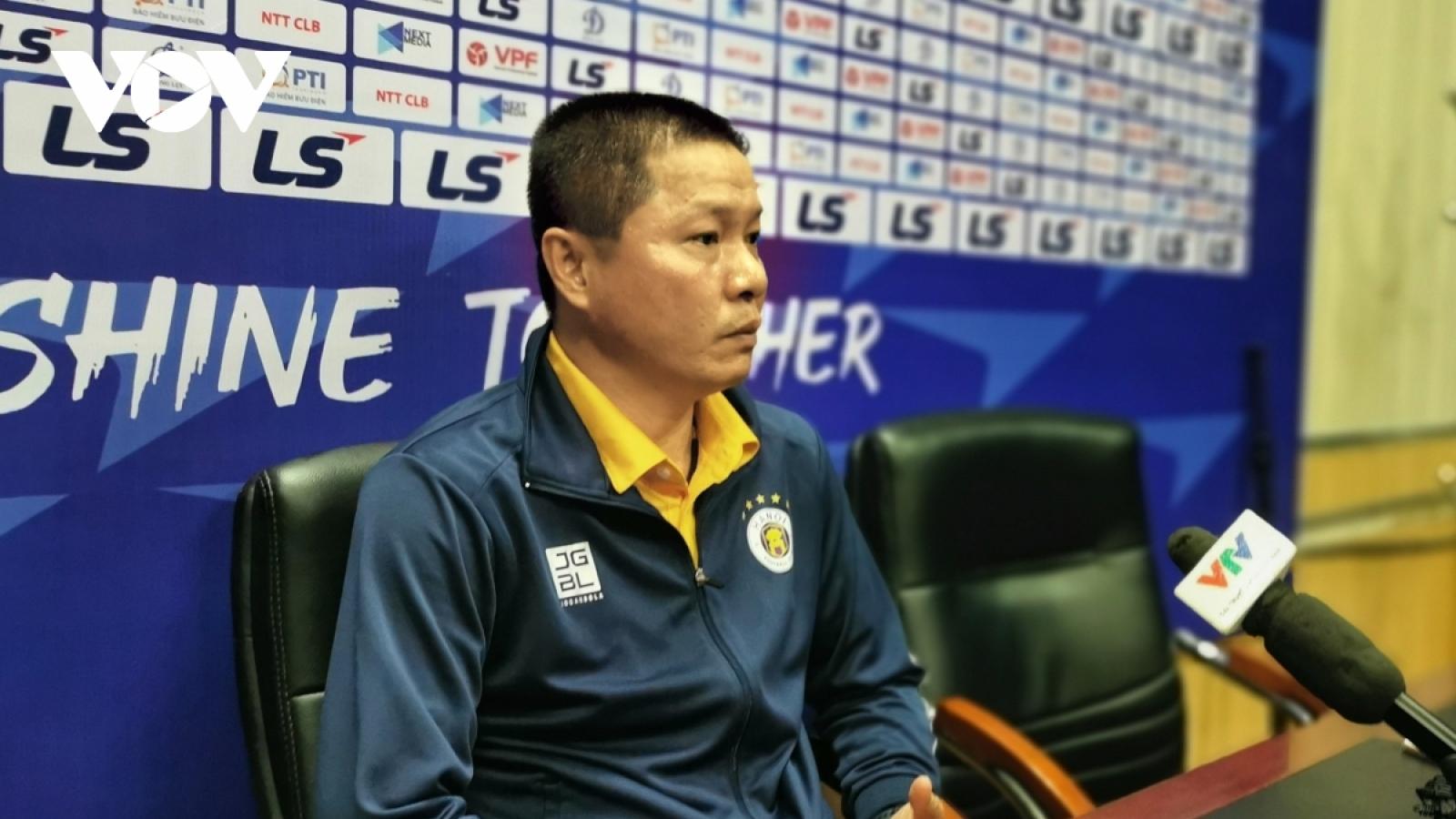 Cảm xúc của HLV Chu Đình Nghiêm khi chia tay Hà Nội FC
