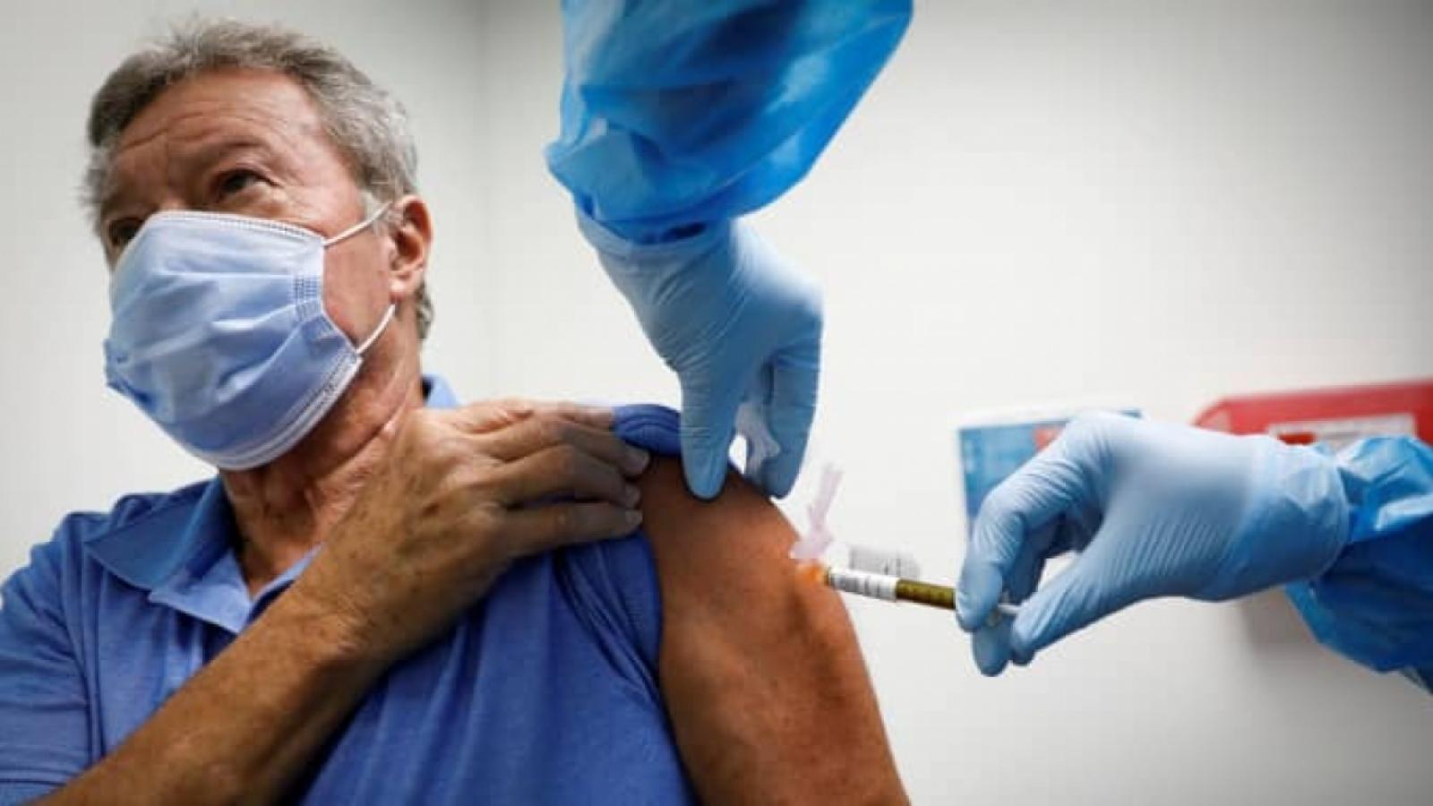 """Mỹ trước """"cuộc chiến"""" thuyết phục người dân tiêm vaccine Covid-19"""