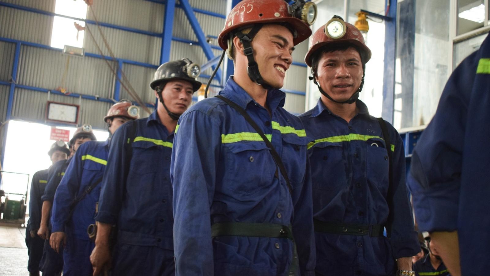 Công nhân vùng mỏ lên kế hoạch đi bầu cử 100%