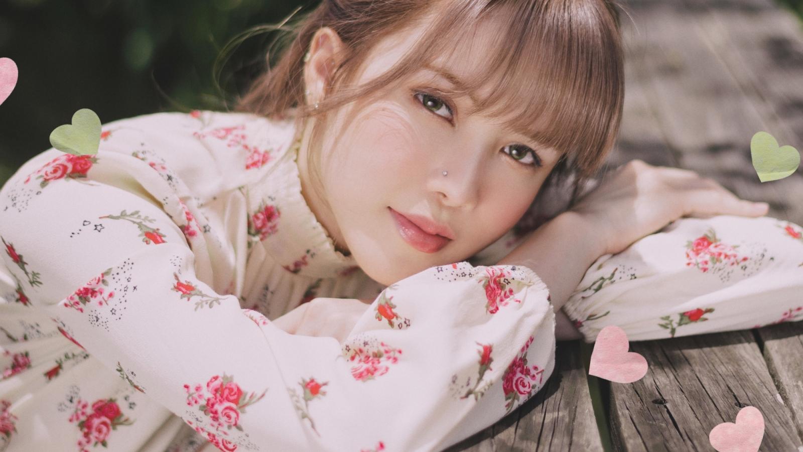 Thiều Bảo Trâm tung teaser đầu tiên của MV Love Rosie với hình ảnh thiếu nữ mộng mơ