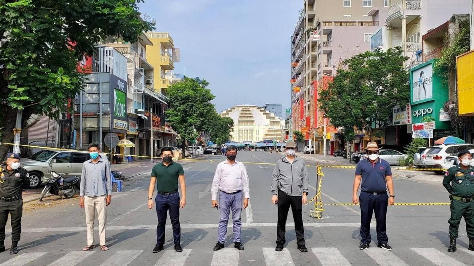Campuchia dừng việc phạt roi người vi phạm lệnh phong tỏa