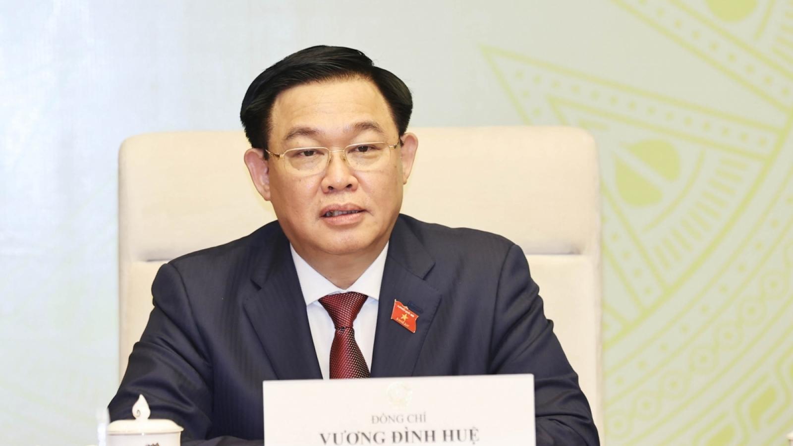 Chủ tịch Quốc hội Vương Đình Huệ làm việc với Ủy ban Quốc phòng và An ninh