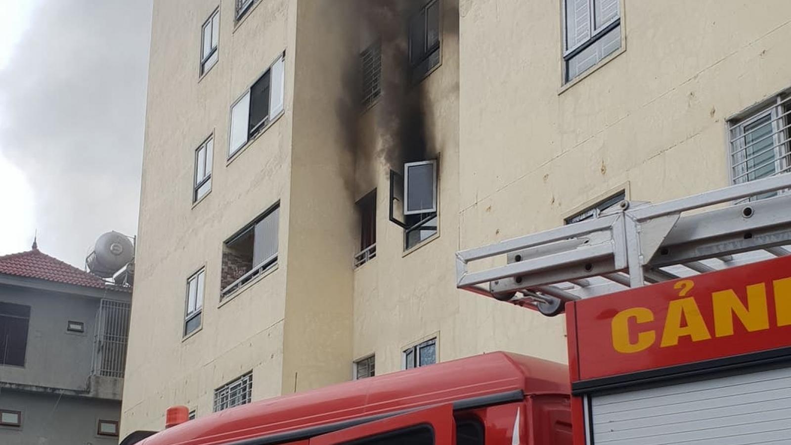 Kịp thời khống chế đám cháy tại tầng 3 chung cư Trường Thịnh