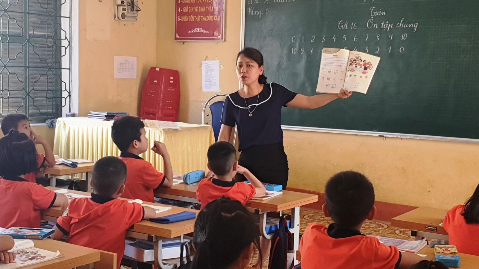Yên Bái chọn sách giáo khoa lớp 1, lớp 2, lớp 6 của nhiều nhà xuất bản