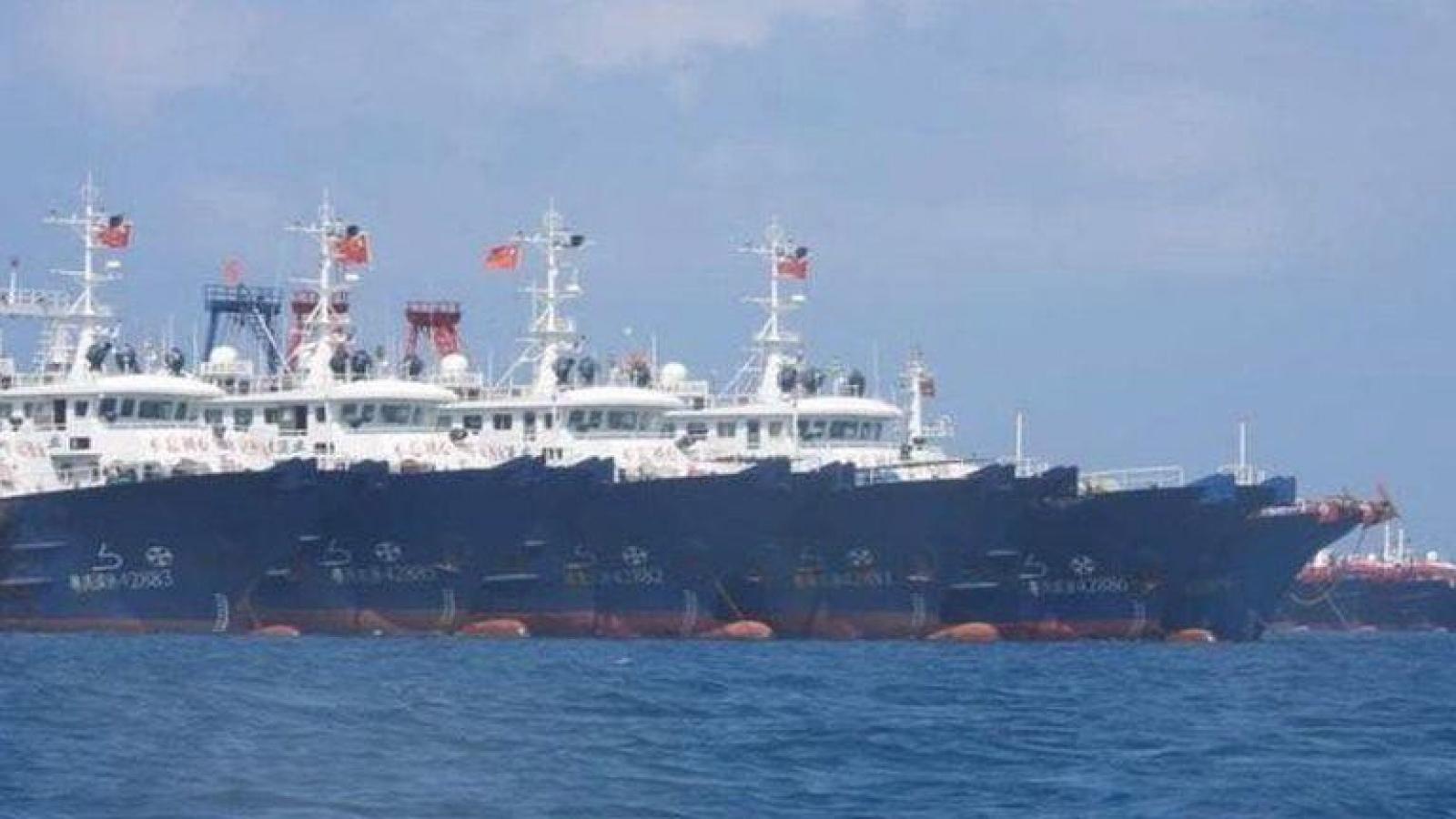 Philippines phát hiện các cấu trúc nhân tạo gần nơi tàu Trung Quốc tập kết ở Biển Đông
