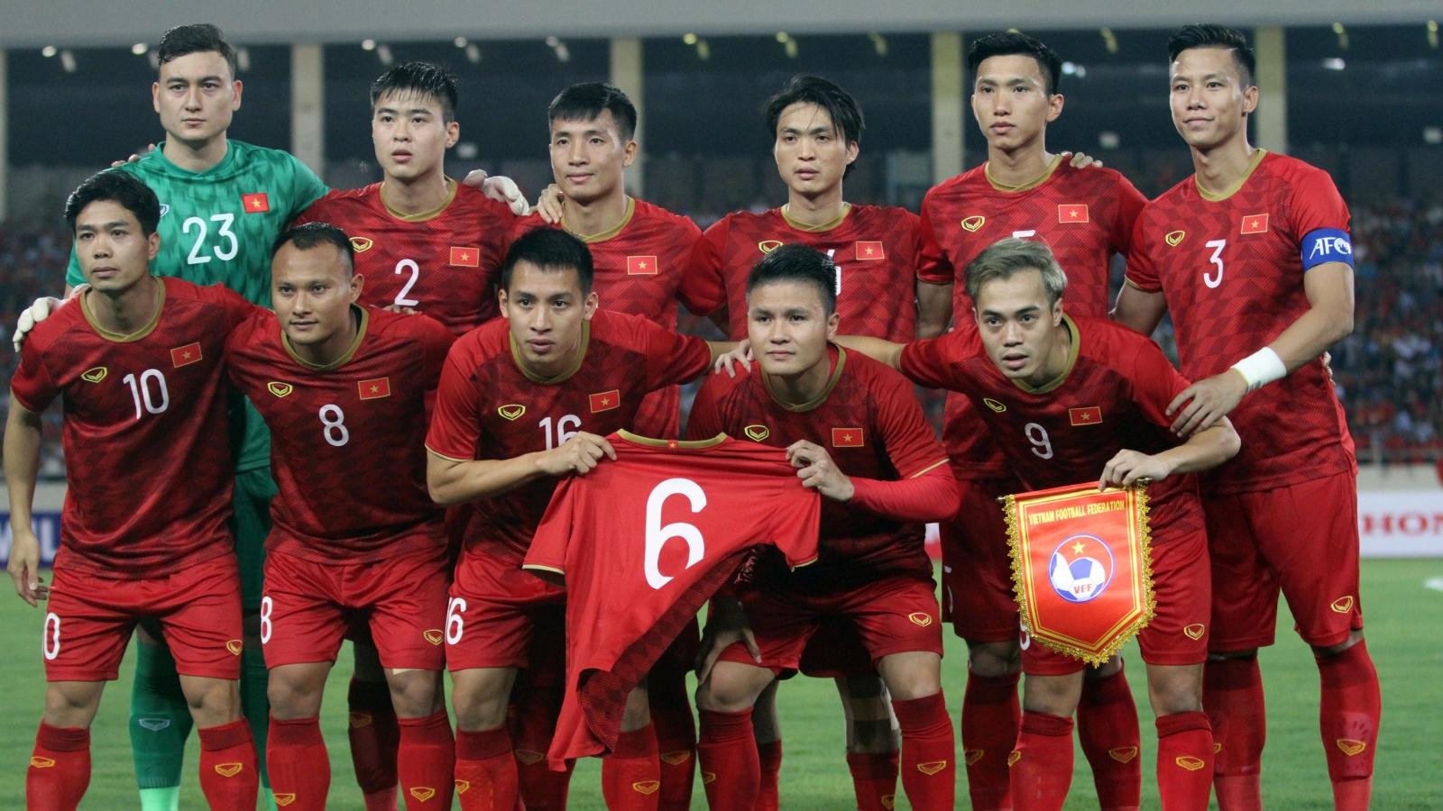 """Trọng Hoàng chấn thương, ĐT Việt Nam """"gãy"""" đội hình 3-4-3"""