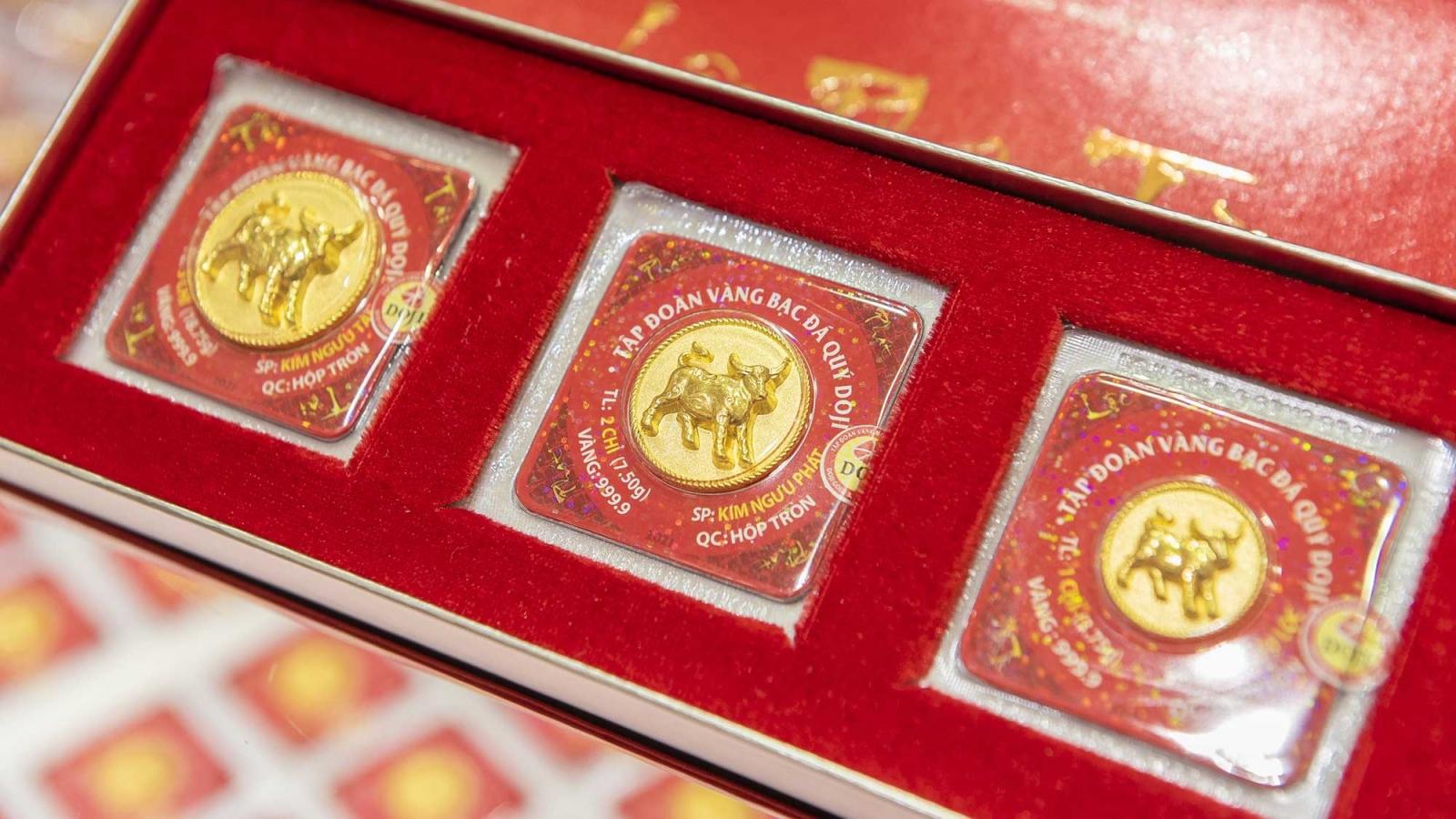 Giá vàng SJC cao hơn vàng thế giới 7,21 triệu đồng/lượng