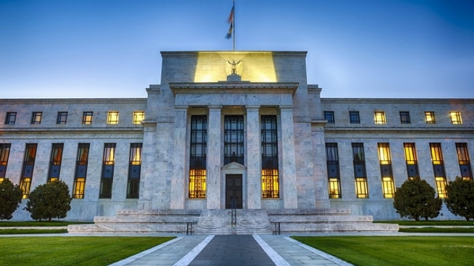 Cục Dự trữ Liên bang Mỹ tiếp tục giữ mức lãi suất cơ bản gần bằng 0