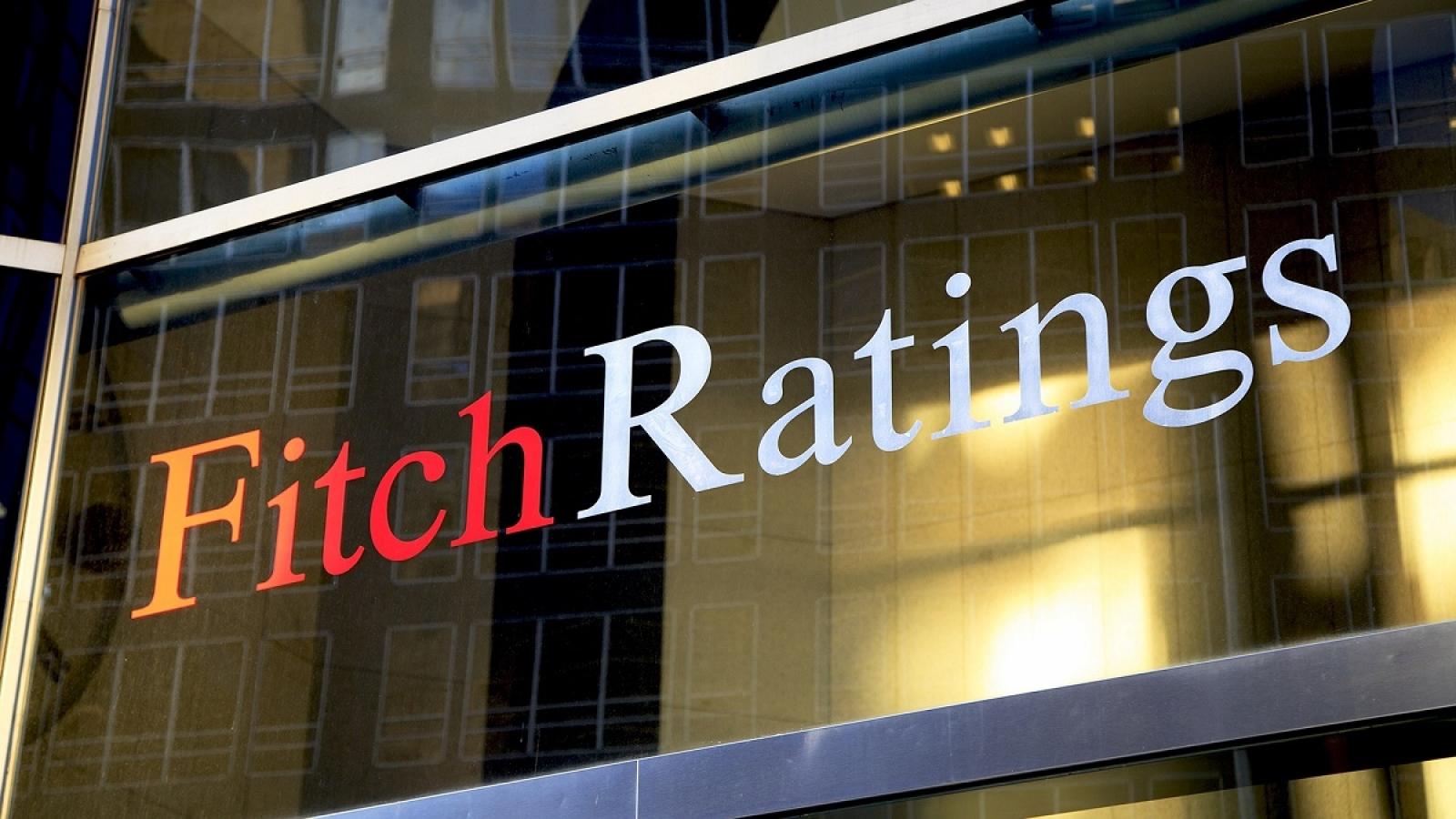 """Fitch Ratings nâng triển vọng của Việt Nam từ """"Ổn định"""" lên """"Tích cực"""""""