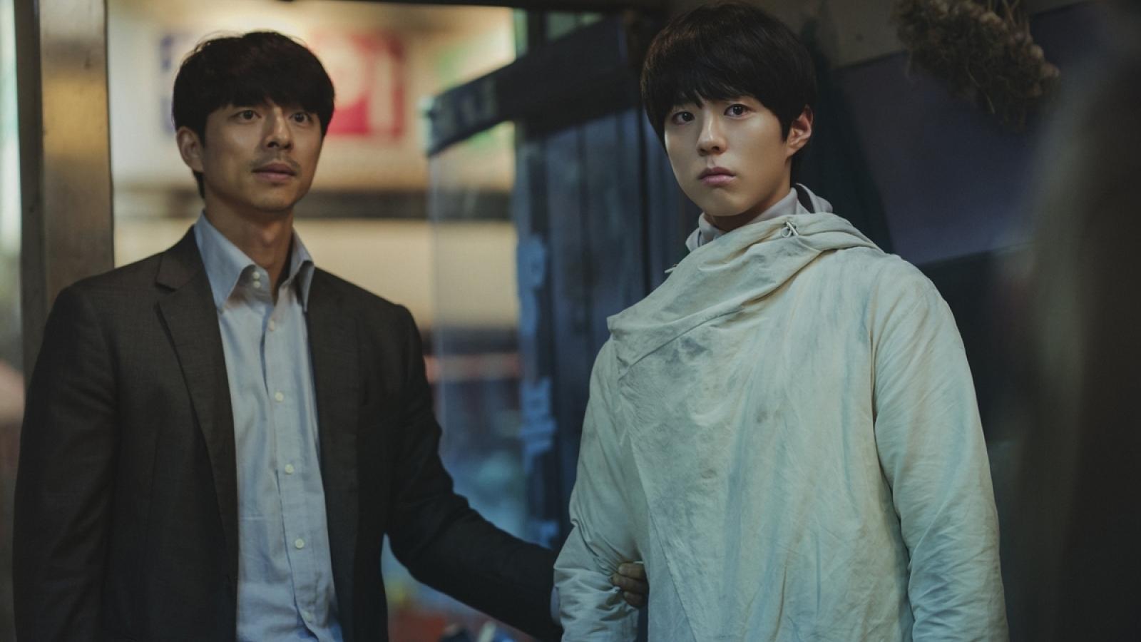 """Gong Yoo, Park Bo Gum không thể cứu nổi """"Seo Bok""""?"""