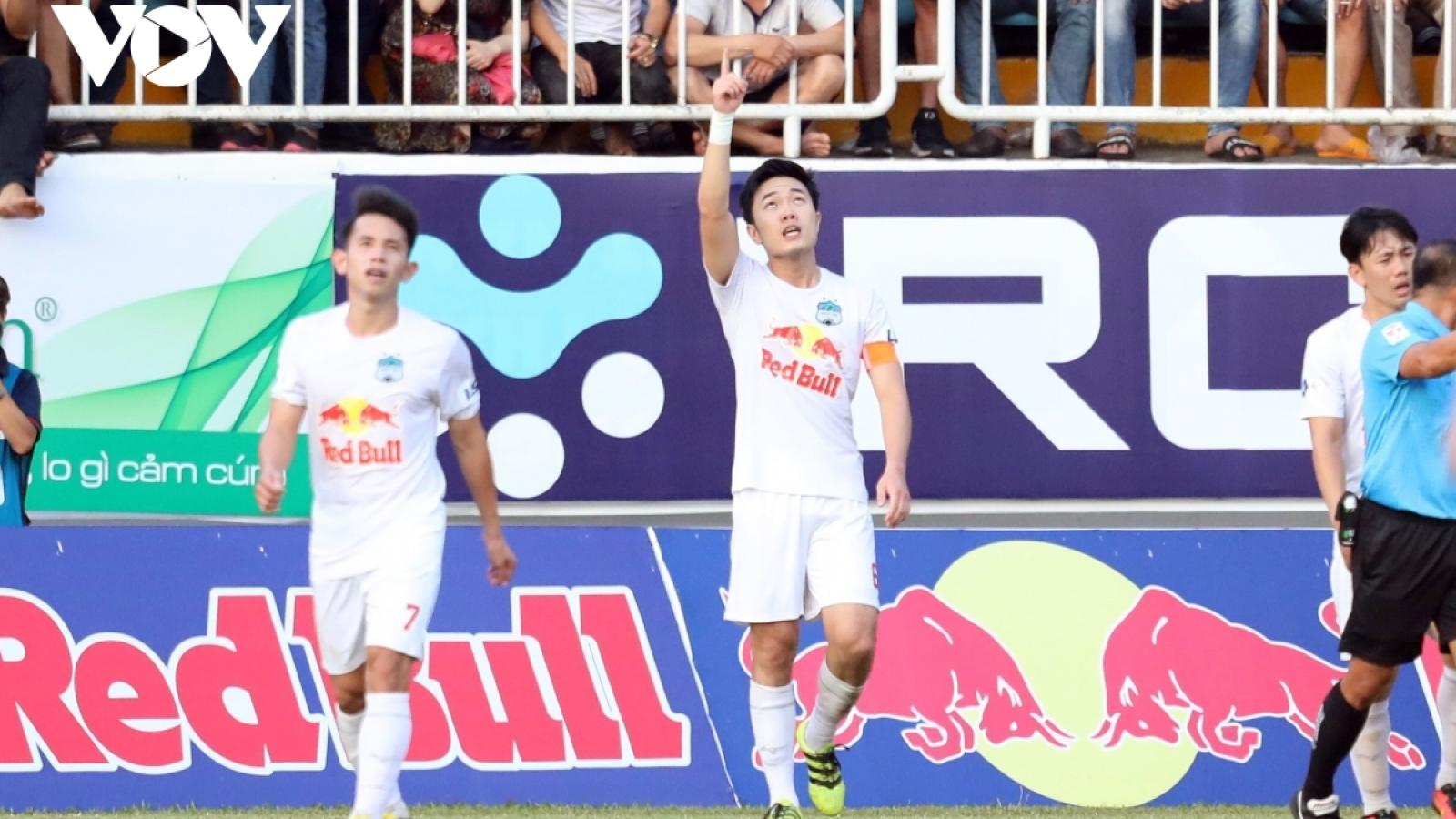 Bàn thắng đẹp V-League 2021 tháng 4: HAGL áp đảo