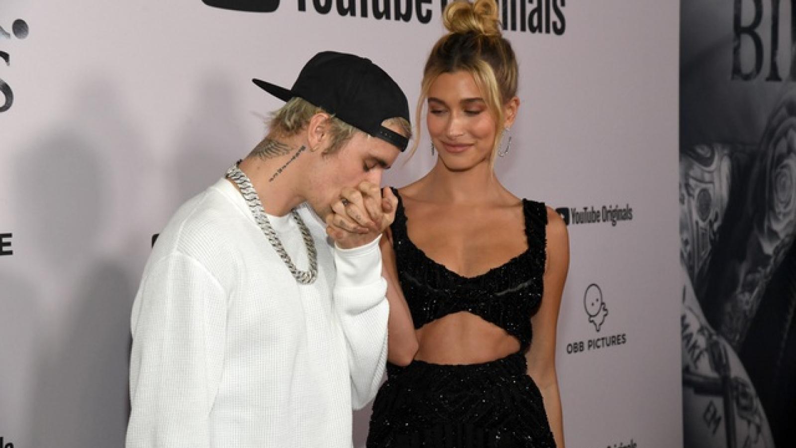 Hailey Bieber hành động bất ngờ vì bị so sánh sau khi kết hôn với JustinBieber