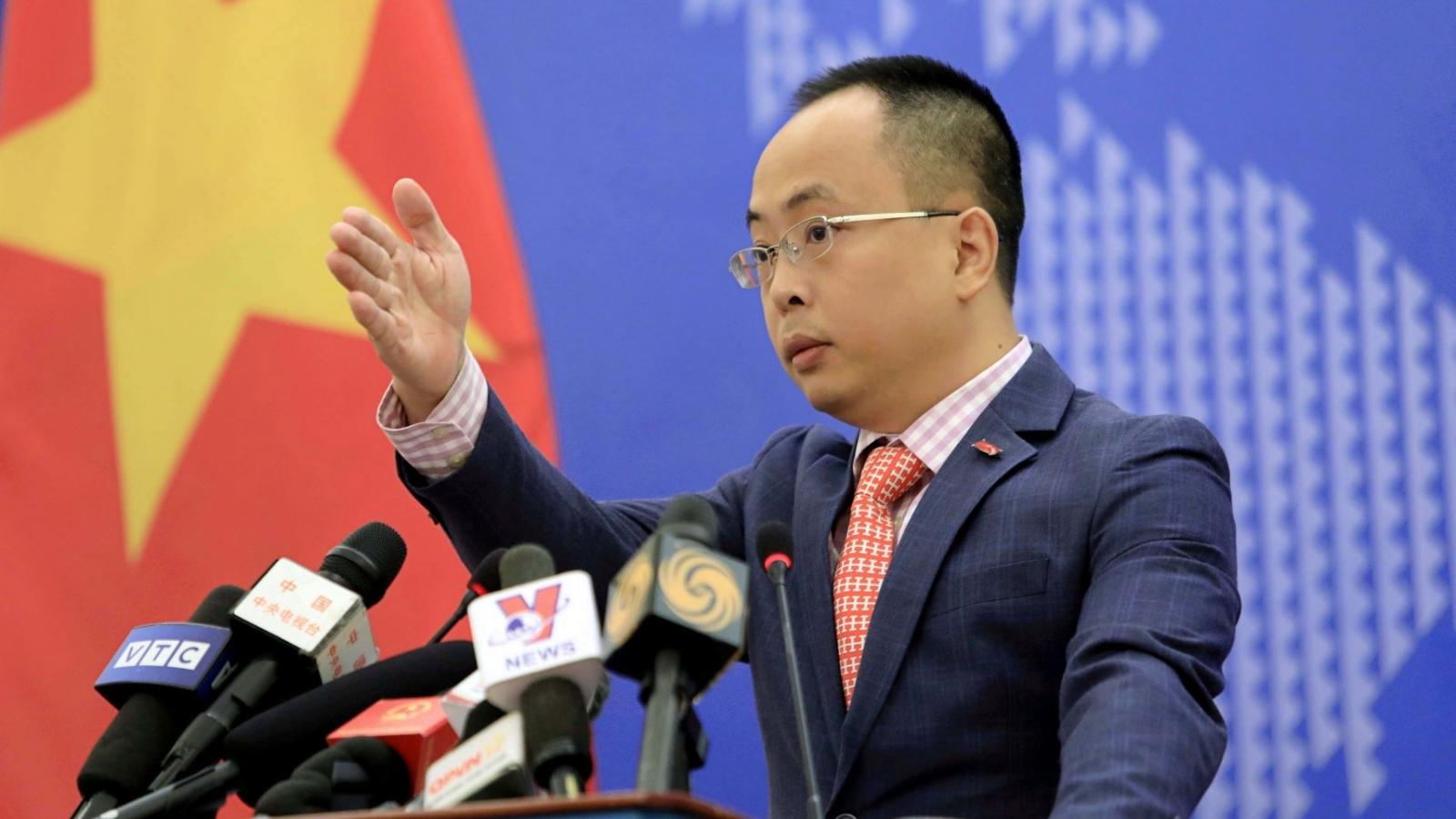 Việt Nam lên tiếng trước việc Trung Quốc đưa tàu sân bay đến Biển Đông