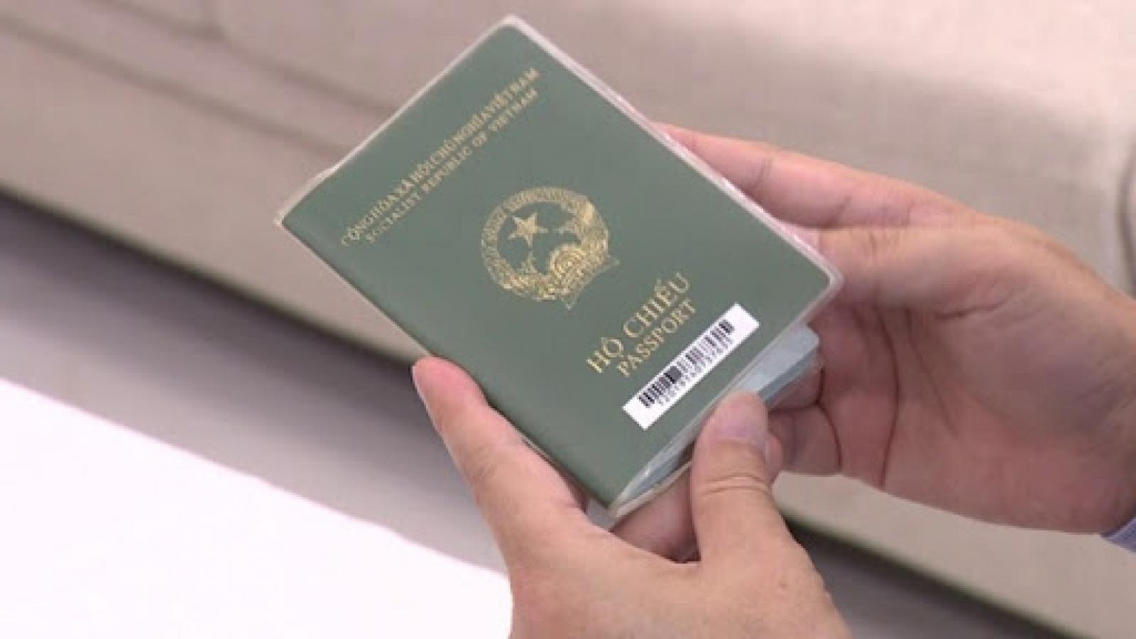 Việt Nam sẽ thí điểm hộ chiếu vaccine quy mô nhỏ
