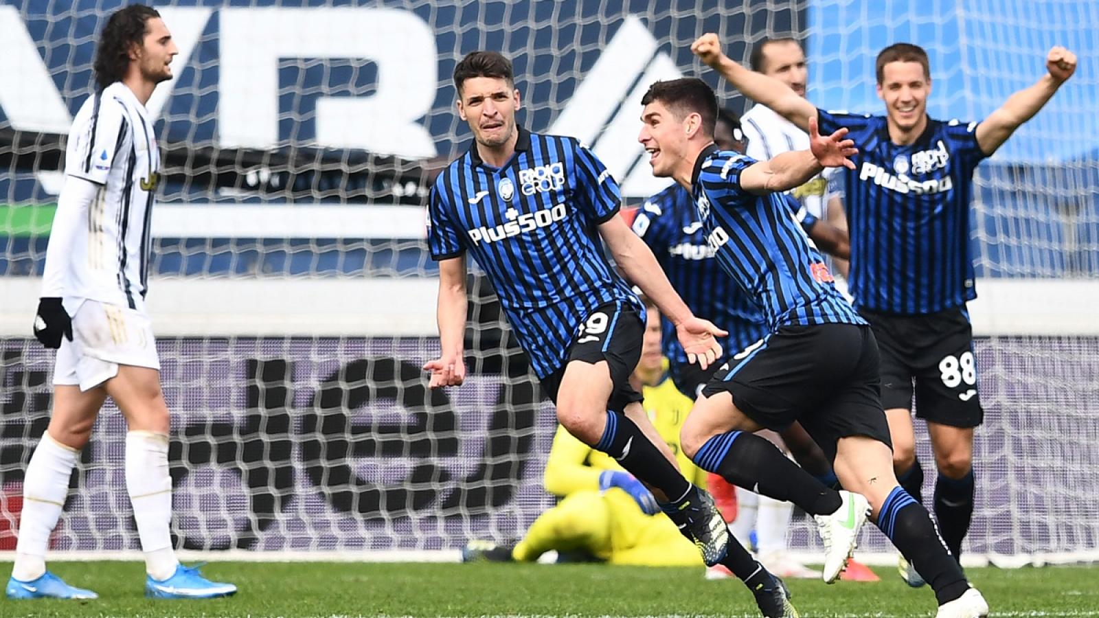 Inter Milan bỏ xa Juventus 13 điểm trong cuộc đua vô địch Serie A