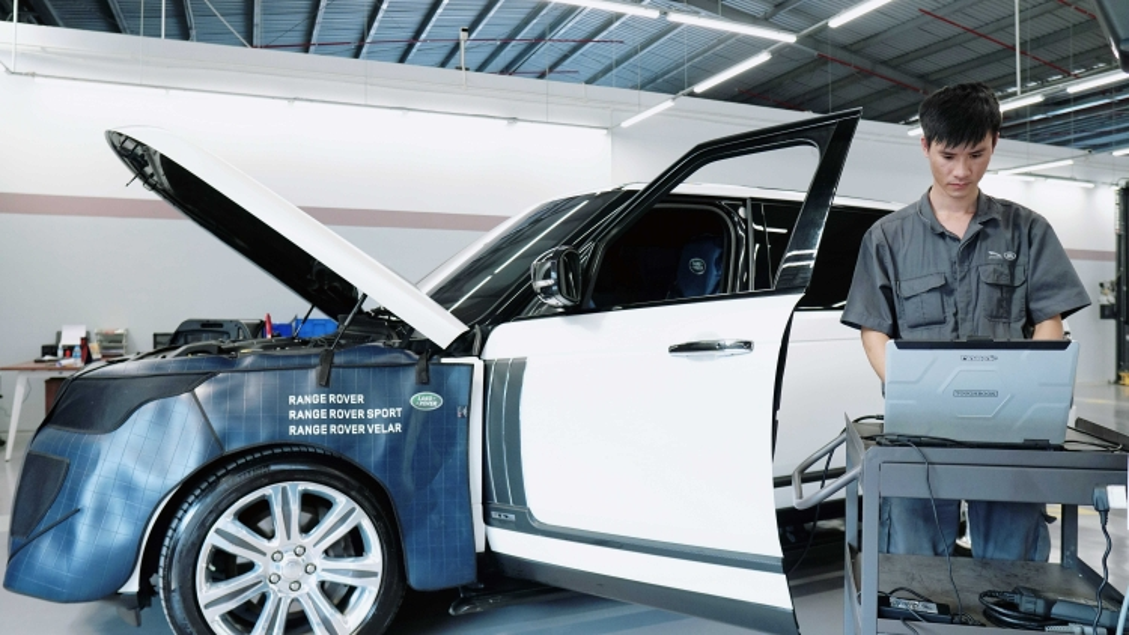 Kiểm tra miễn phí xe Jaguar và Land Rover tại Việt Nam
