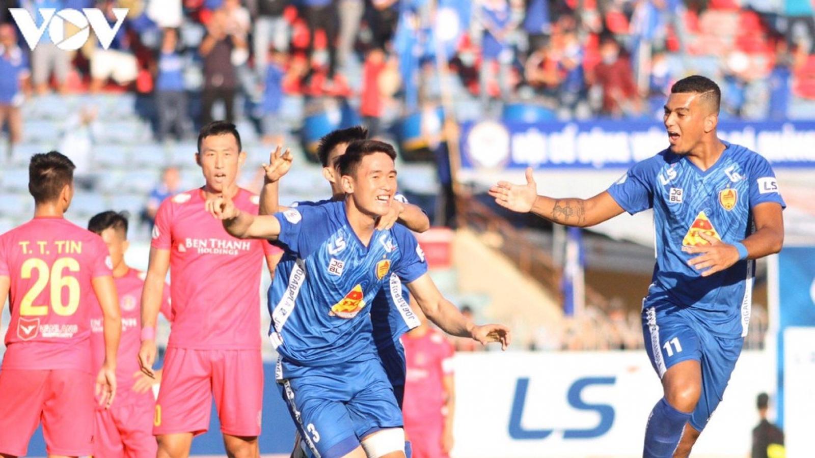 Cúp Quốc gia 2021: Quảng Nam thắng kịch tính, Thanh Hóa thảm bại