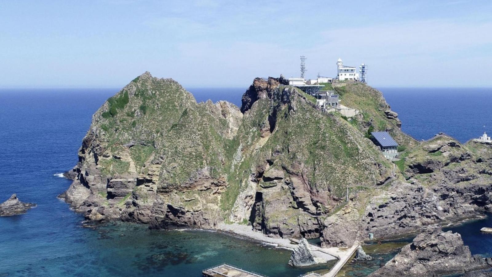 Hàn Quốc triệu Công sứ Nhật Bản, phản đối nội dung Sách Xanh