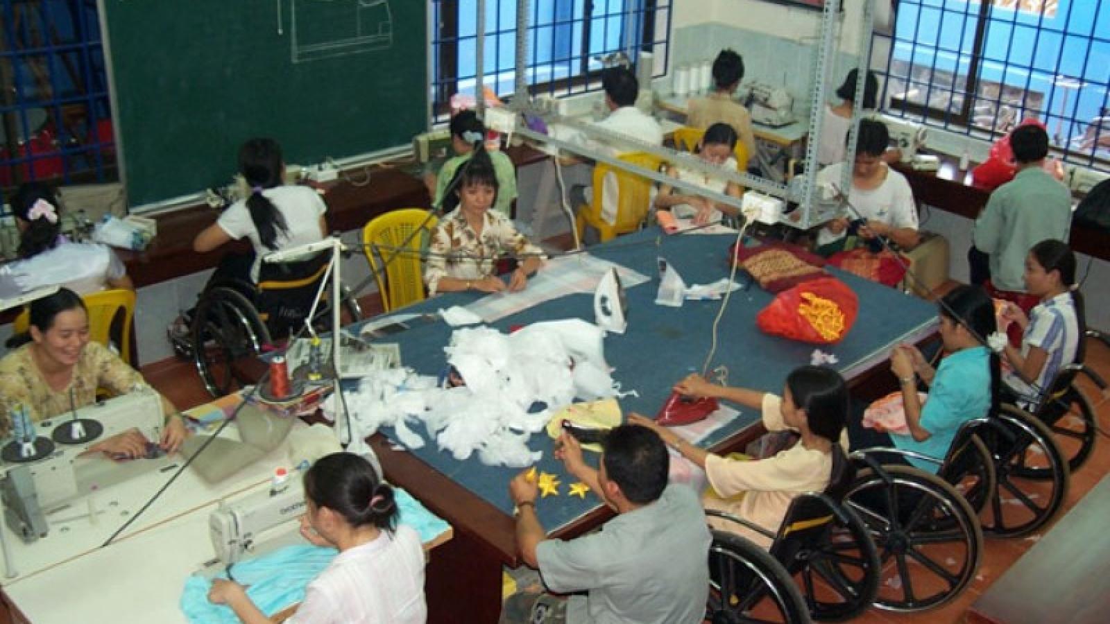 Người khuyết tật vẫn gặp khó trong tiếp cận vốn vay, đào tạo nghề