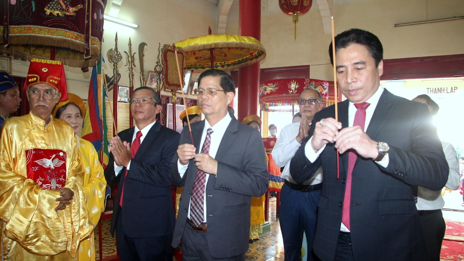 Khánh Hòa dâng hương tưởng niệm, tri ân các Vua Hùng