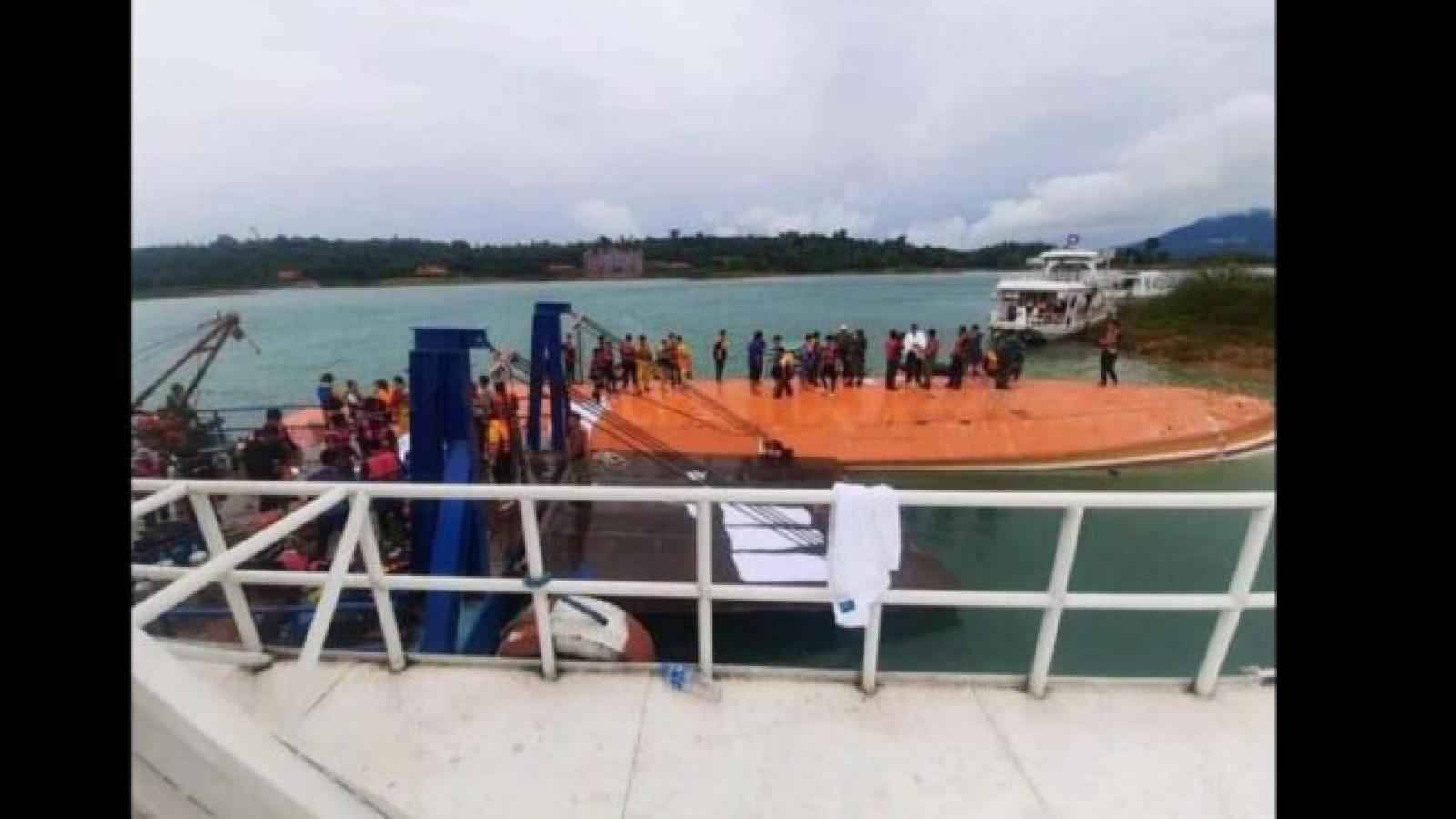 Nguyên Tổng Bí thư - Chủ tịch nước Lào an toàn trong vụ tai nạn lật thuyền