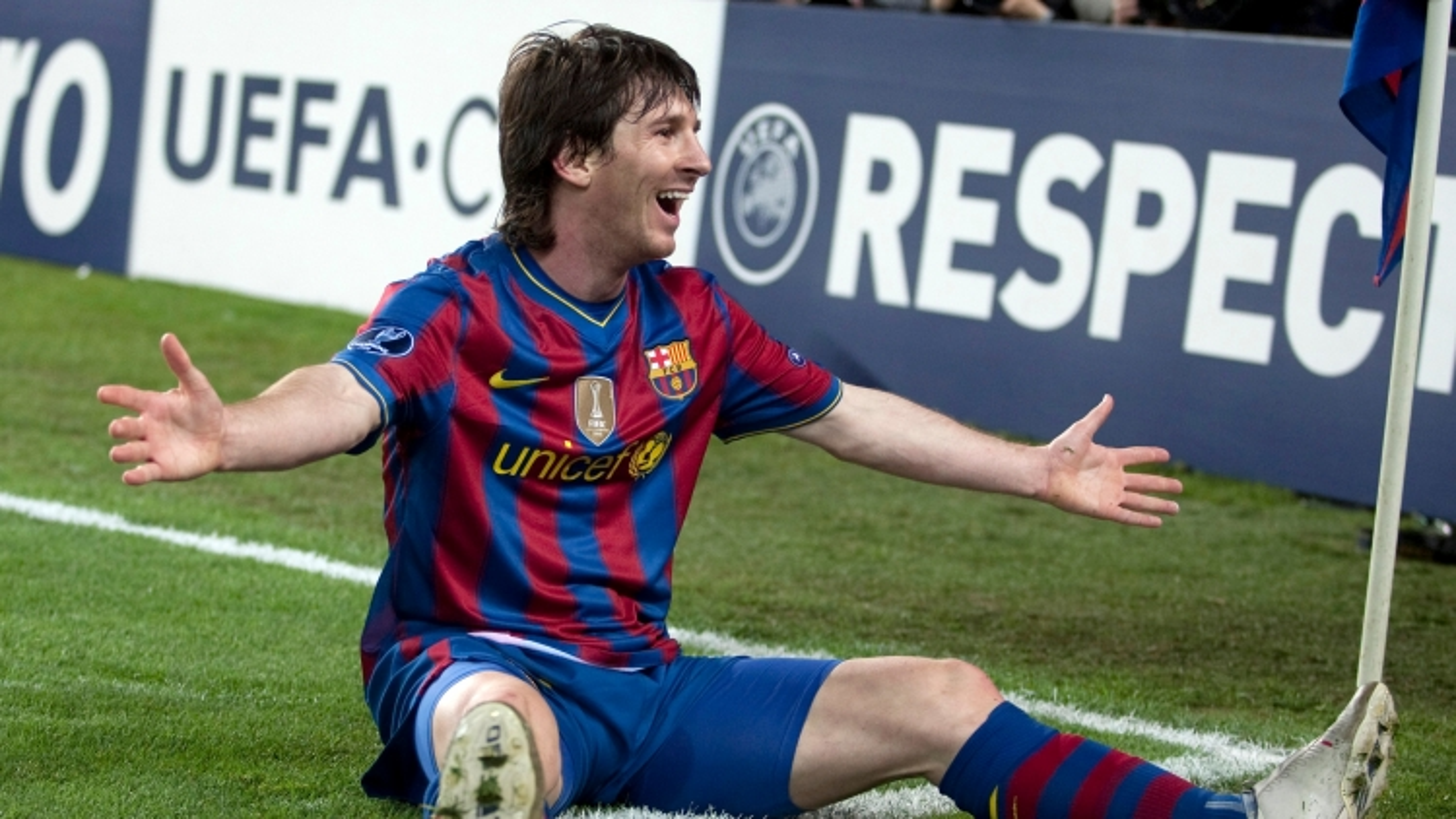 Ngày này năm xưa: Messi lập kỷ lục không tưởng ở tứ kết Champions League