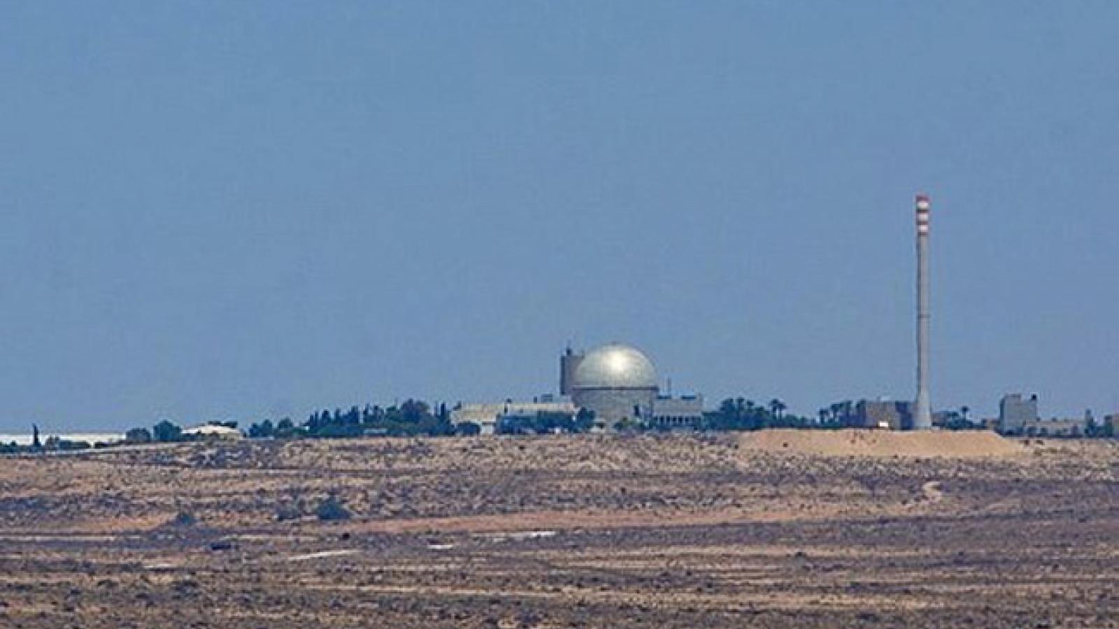 Tên lửa bắn từ Syria phát nổ gần lò phản ứng hạt nhân của Israel