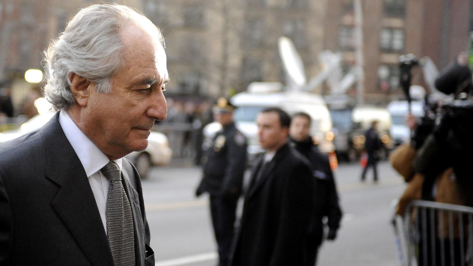 Siêu lừa Bernard Madoff: Từ nhà tài phiệt đầy quyền lực đến kẻ tội phạm bị căm ghét