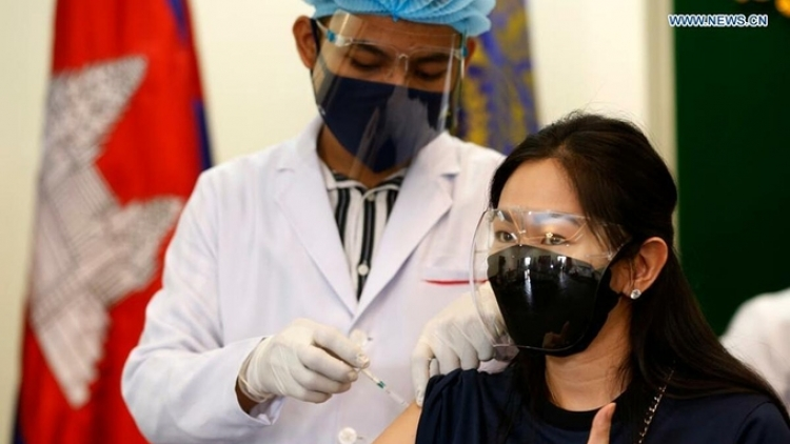 Vaccine Covid-19 đang bị vũ khí hóa trong cuộc cạnh tranh địa chính trị toàn cầu